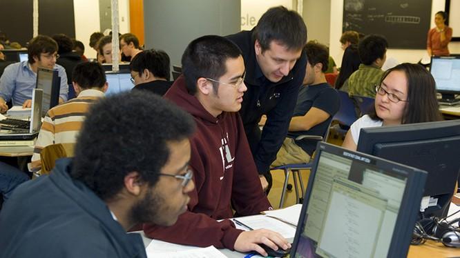 Sau tốt nghiệp sinh viên có nhiều cơ hội xin việc trong ngành Khoa học máy tính