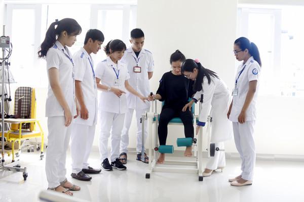 Bác sĩ Phục hồi chức năng là gì? Học Bác sĩ Bác sĩ phục hồi chức năng ở đâu?