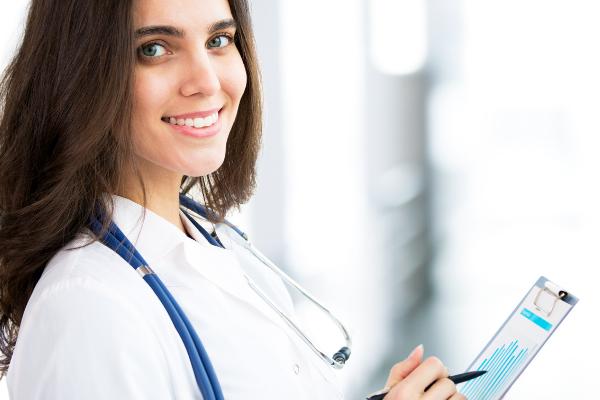 Giải đáp thắc mắc: Y sĩ là gì? Nhiệm vụ của Y sĩ tại các cơ sở y tế