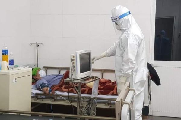 Hai bệnh nhân COVID-19 nặng qua cơn nguy kịch một cách thần kỳ