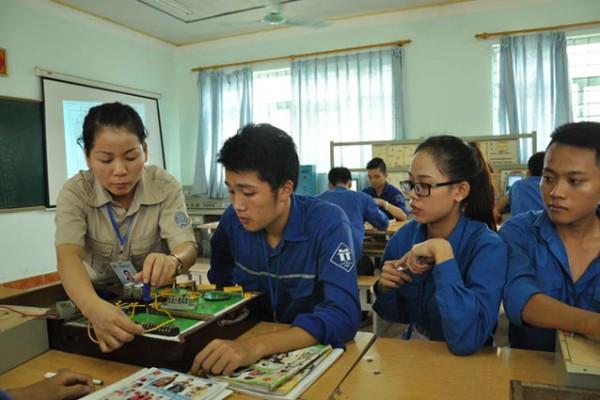 Thông tin về tuyển sinh trường nghề: Có thuận lợi và khó khăn